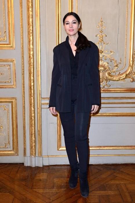 Элегантная Моника Беллуччи в классическом образе на спецпоказе в Париже