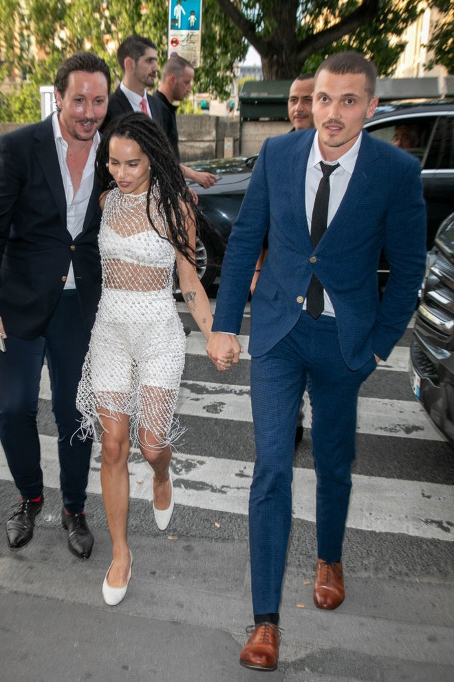 The Paparazzi Photographed Zoe Kravitz With Her Husband