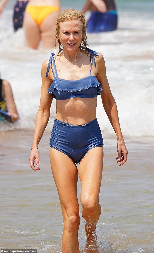 52-летняя Николь Кидман показала идеальную фигуру в купальнике