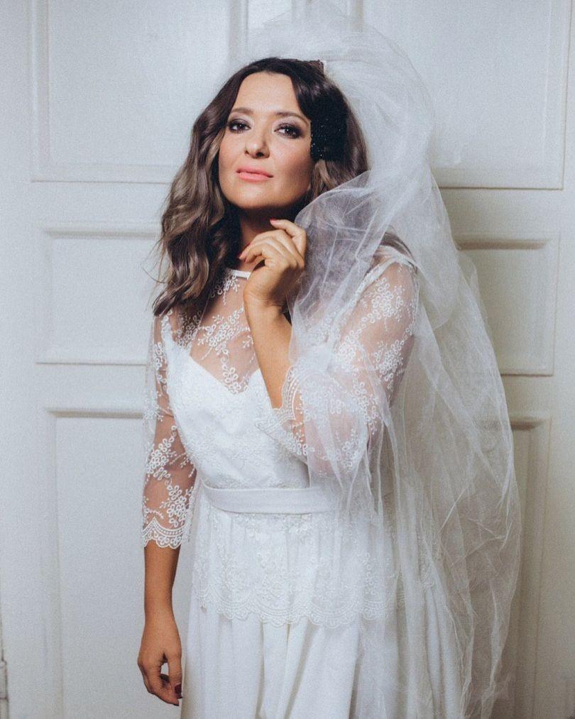 Наталья Могилевская заинтриговала фото в свадебном платье