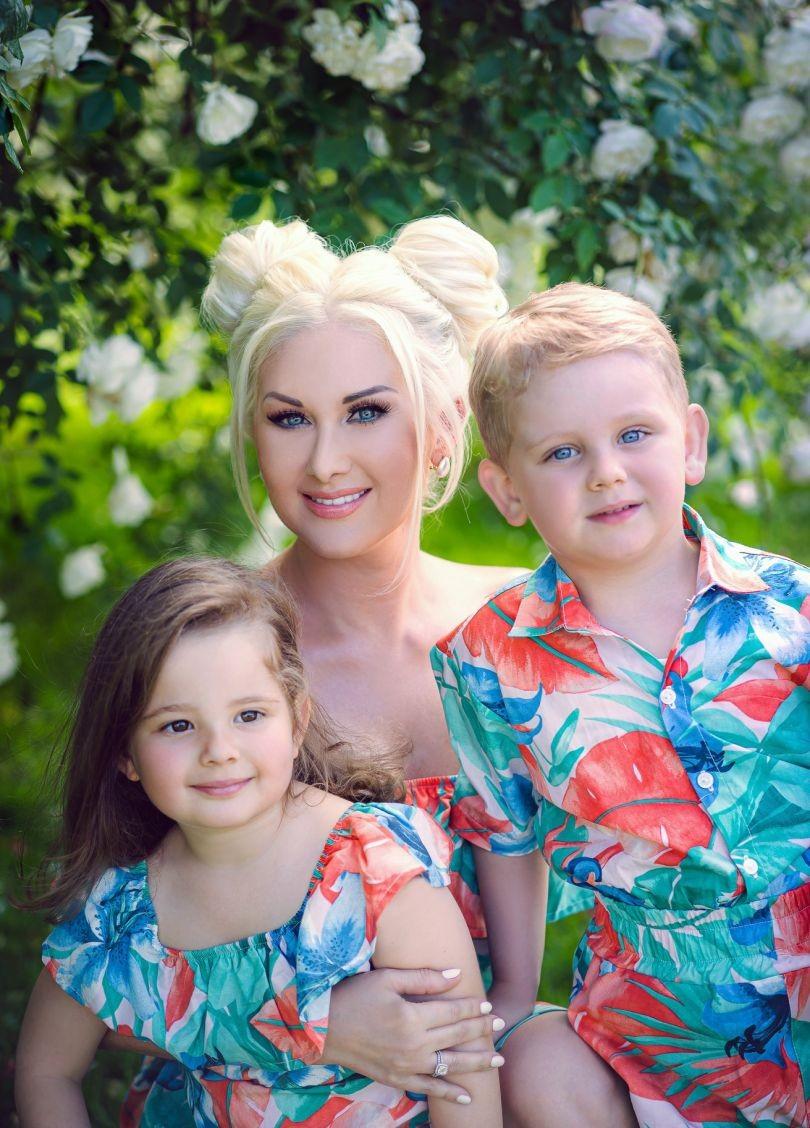 Катя Бужинская впервые показала своих двойняшек