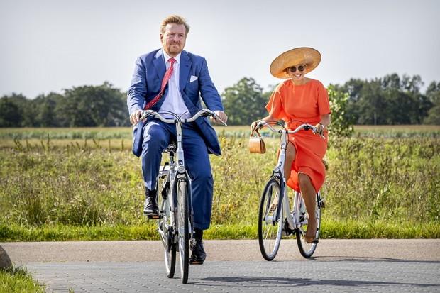 Король и королева Нидерландов наслаждаются работой и обществом друг друга